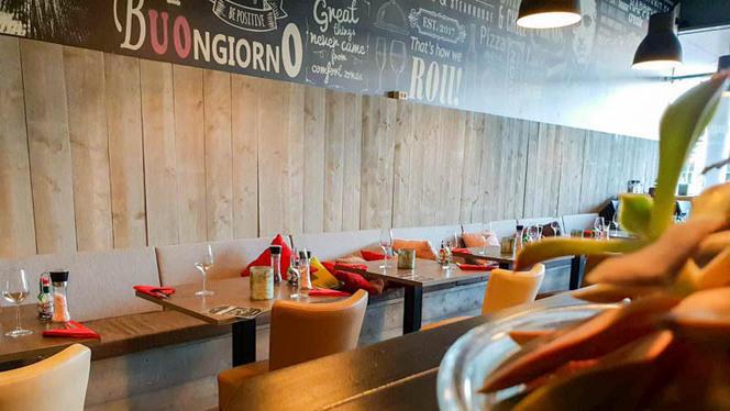 Het restaurant - Johnny's Pizzeria & Steakhouse, Blaricum