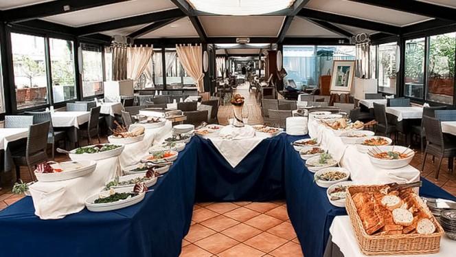 sala con buffet - Terrazza Barberini, Rome