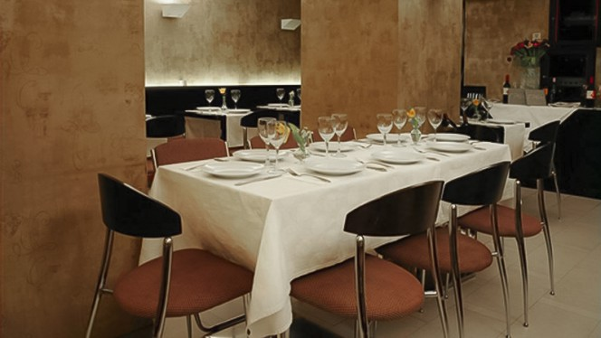 Vista sala - Rast Café, Madrid