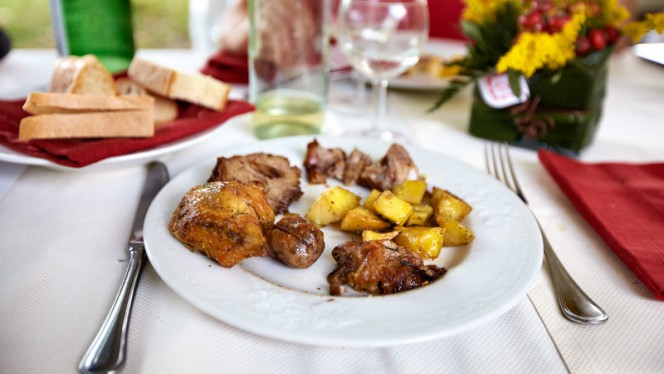 Arrosto misto con patate - Agriturismo Pomonte, Orvieto