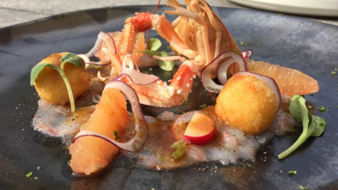 Crayfish carpaccio | fruity Comté croquette - Icones, Brussels