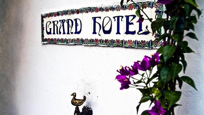 Particolare esteriore - Grand Hotel Osteria, Milan