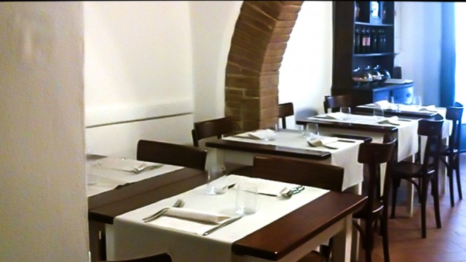 La sala - Rosso rubino, Montepulciano