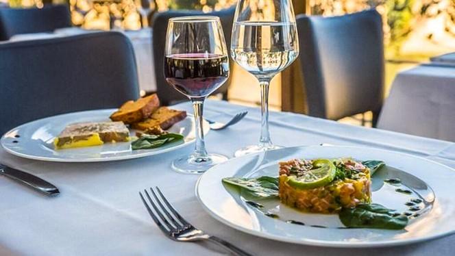 Foie gras et tartare de saumon - La Nouvelle Seine, Paris