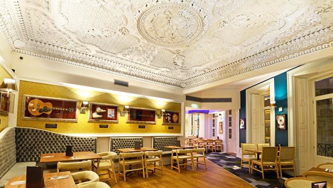 Sala - Hard Rock Cafe Porto, Porto