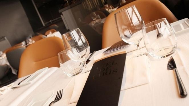 Tables dressées - Le Ciel de Paris, Paris