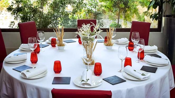 Mesa principal del Restaurante Granero - Granero,