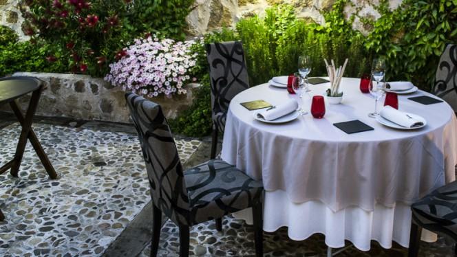 Terraza del Restaurante Granero - Granero,