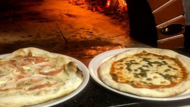 Le pizze al forno a leña - La Casetta di Agnese,