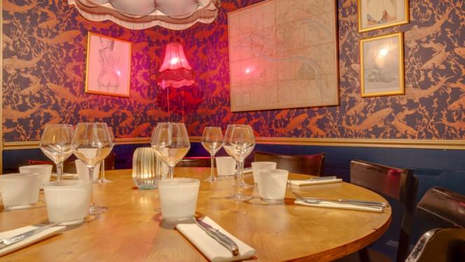 Table dressée - Cercle Rouge, Lyon