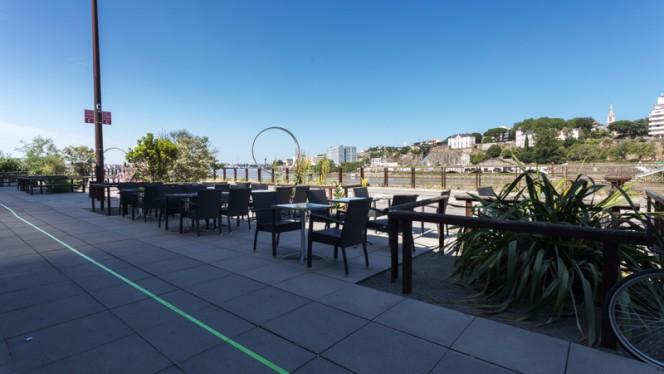 Terrasse - La Grande Muraille - Buffet à volonté, Nantes