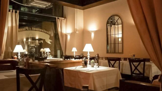 Vue de la salle - La Romantica, Genève