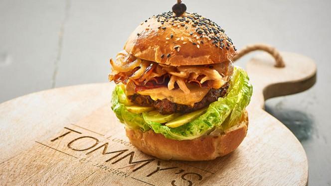 Beef Burger - Tommy's & Zuurveen, Den Haag