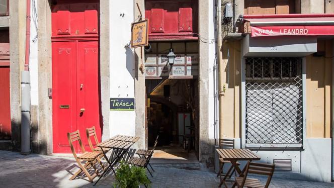 Entrada - Trásca, Porto