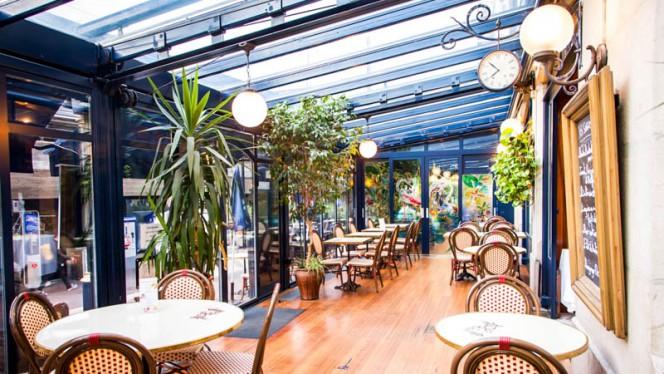 Terrace - Café de la Gare, Genève