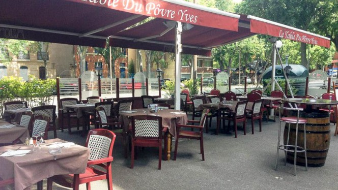 Devanture - La Table du Povre Yves, Toulouse