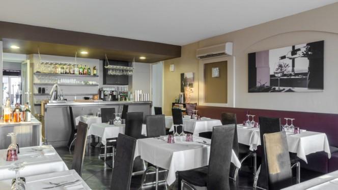 Salle du restaurant - Question de Goût, Marseille
