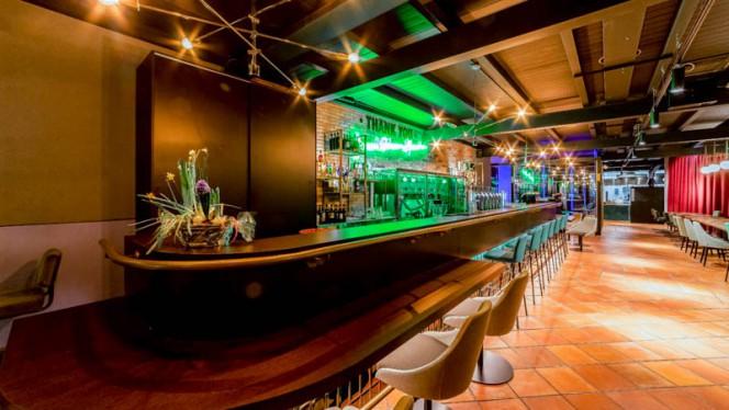 Veduta dell interno - History Pub,