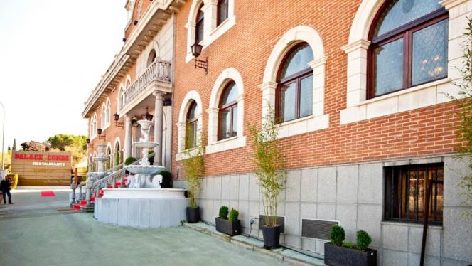 Vista fachada - Palace Conde, Madrid