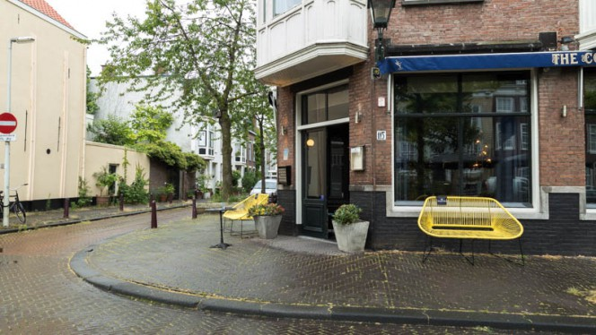 Terras - The Court, Den Haag