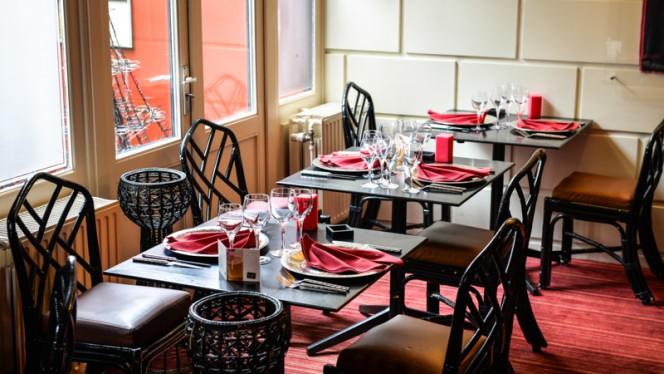 Tables dressées - Les Larmes du Tigre, Brussels