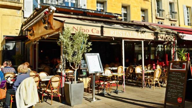 VU extérieur du café - Nino Café, Aix-en-Provence