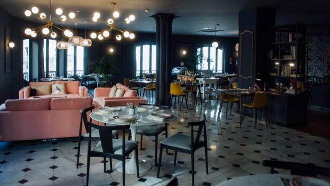 Vista Sala - The Little Queen- Hotel One Shot Palacio Reina Victoria 04, Valencia
