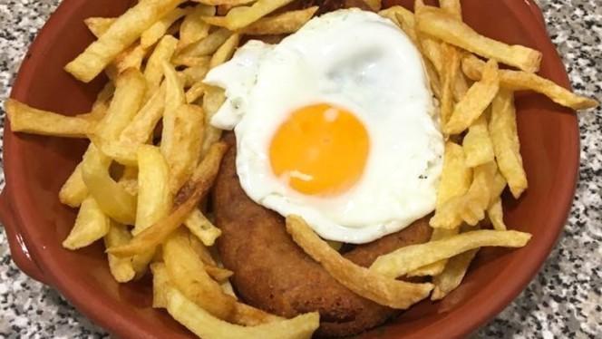 Alheira com ovo - Botequim o Encontro, Lisboa