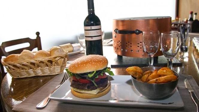 Burger et Charbonnade - Le Bouchon, Carouge