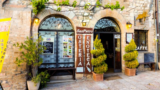 Entrata - Enoteca San Pietro, Assisi