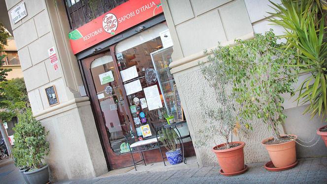 detalle fachada de día - Come Una Volta, Barcelona