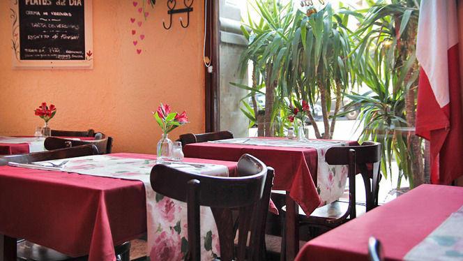 mesas con flores - Come Una Volta, Barcelona