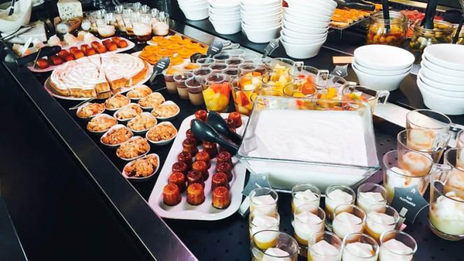 Buffet de Desserts - Campanile Lyon Part-Dieu, Lyon