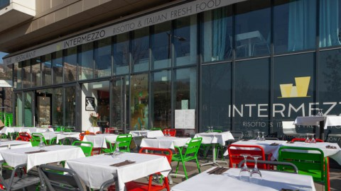 Intermezzo, Lyon