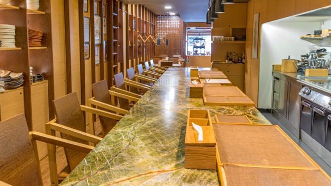 Sala - Euskalduna Studio, Porto