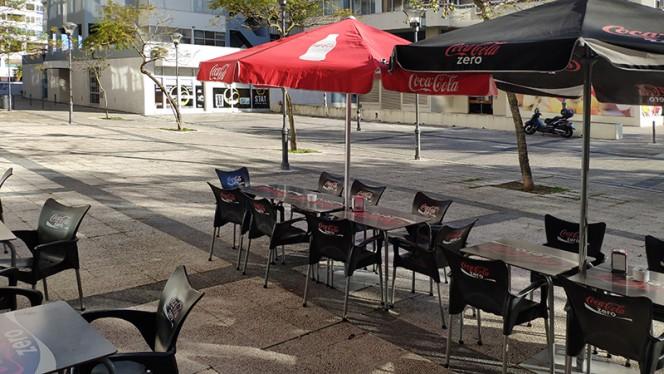 Esplanada - Izzy Casual Food, Lisboa