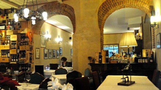 begli archi in mattoncini - Da Luigi, Milan
