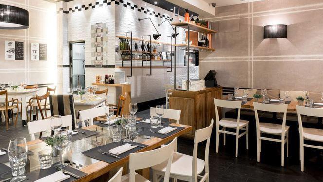 - - Maccheroni & Co, Sevilla