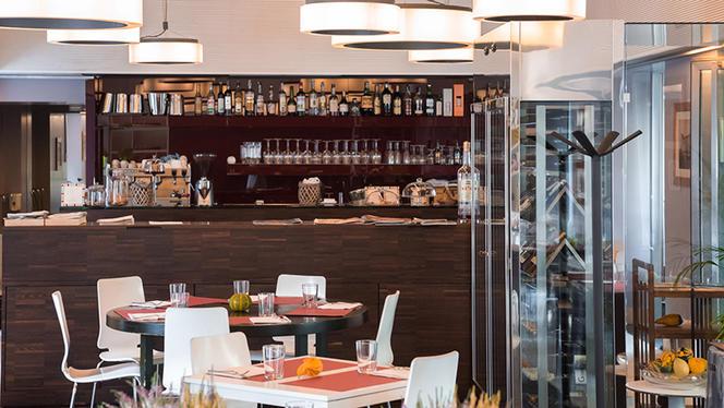 L'angolo bar - La cucina dei frigoriferi milanesi, Milan