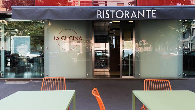 L'esterno - La cucina dei frigoriferi milanesi, Milan