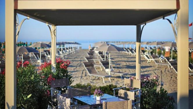Tavolo - La Spiaggia Beach & Restaurant, Cesenatico