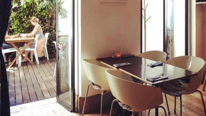Sala para o Pátio - Royale Café, Lisboa