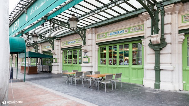 devanture - Brasserie L'Est, Lyon