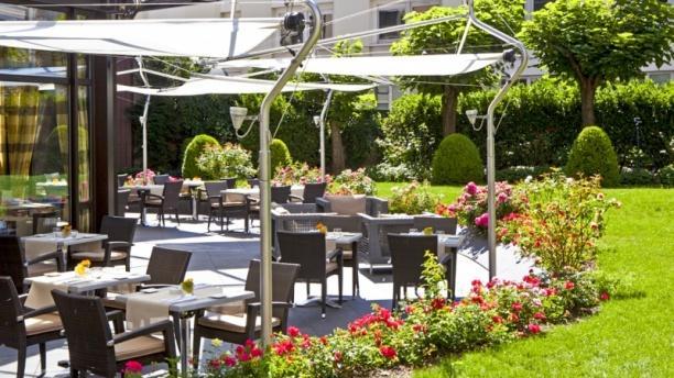 Vue de la terrasse - Le Lounge - Warwick Reine Astrid, Lyon