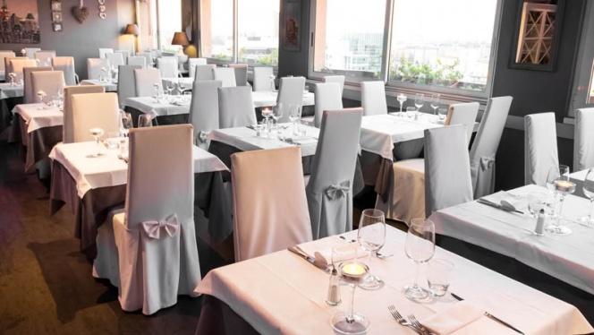 tavoli - Skyline Restaurant, Milan