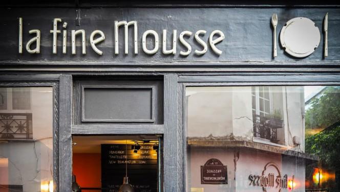 Devanture - La Fine Mousse, Paris