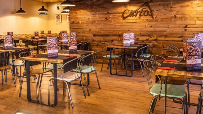 Sala - Pizzeria Carlos, Zaragoza