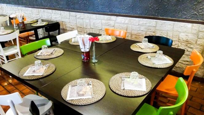 particolare tavolo - L'Anfora, Cattolica