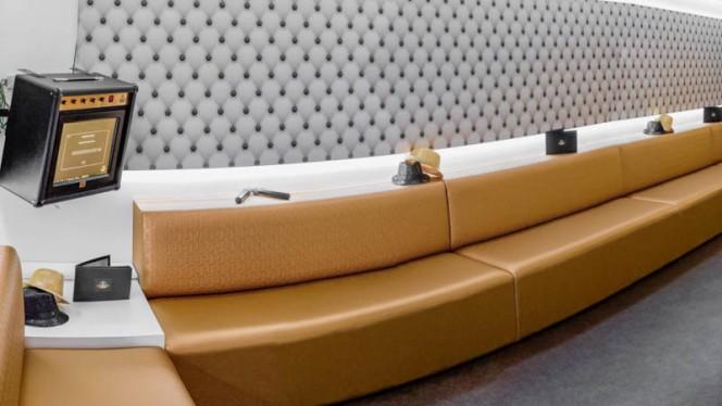 L'un des studios privatifs de karaoké - Singing Studio Lounge, Lille