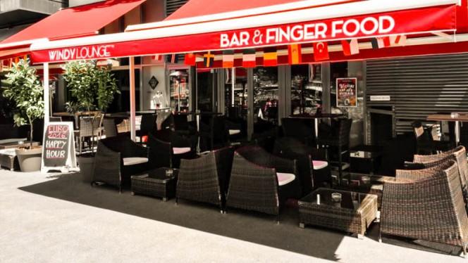 vue de la terrasse à l'ombre - Bar Windy Lounge, Lyon